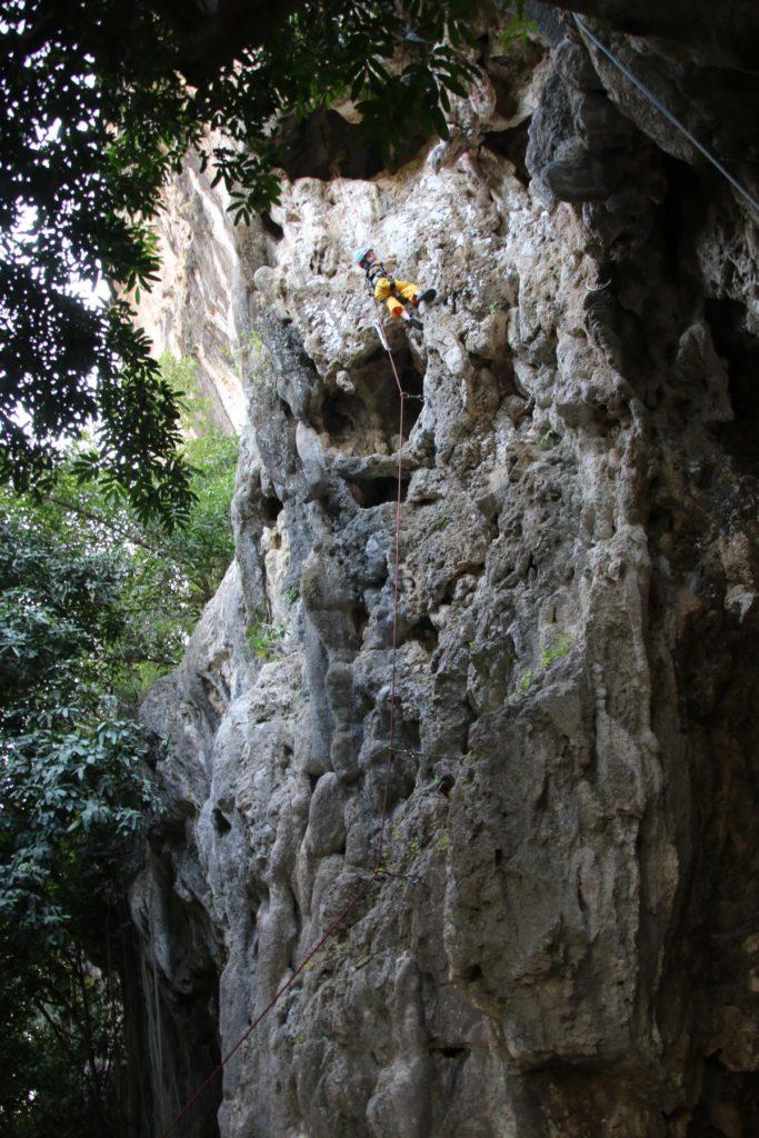 Tim klettert