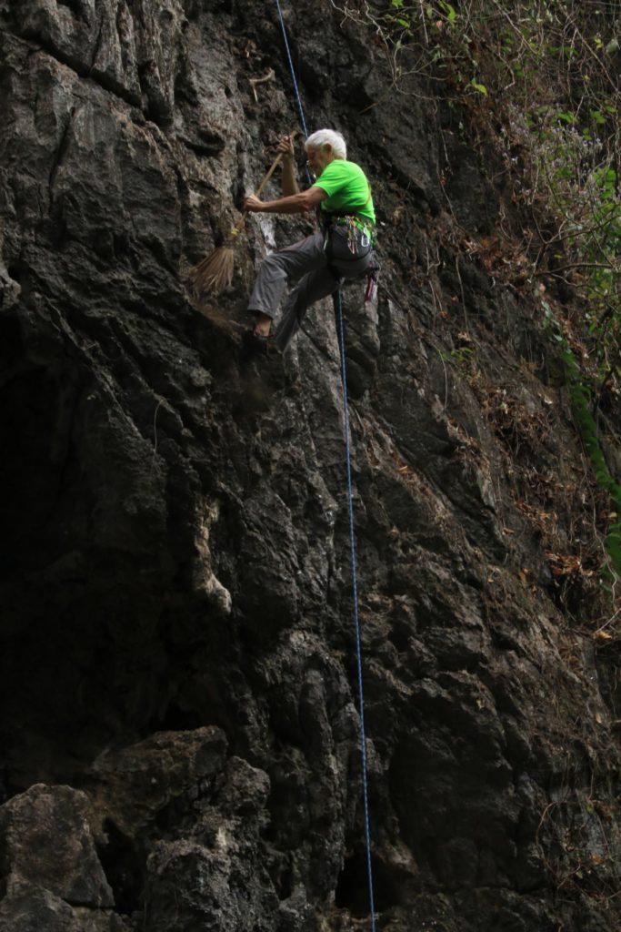 Harte Arbeit am Fels