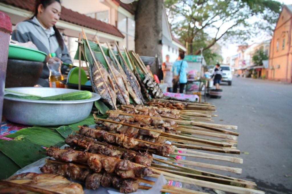 Essen in Thakhek