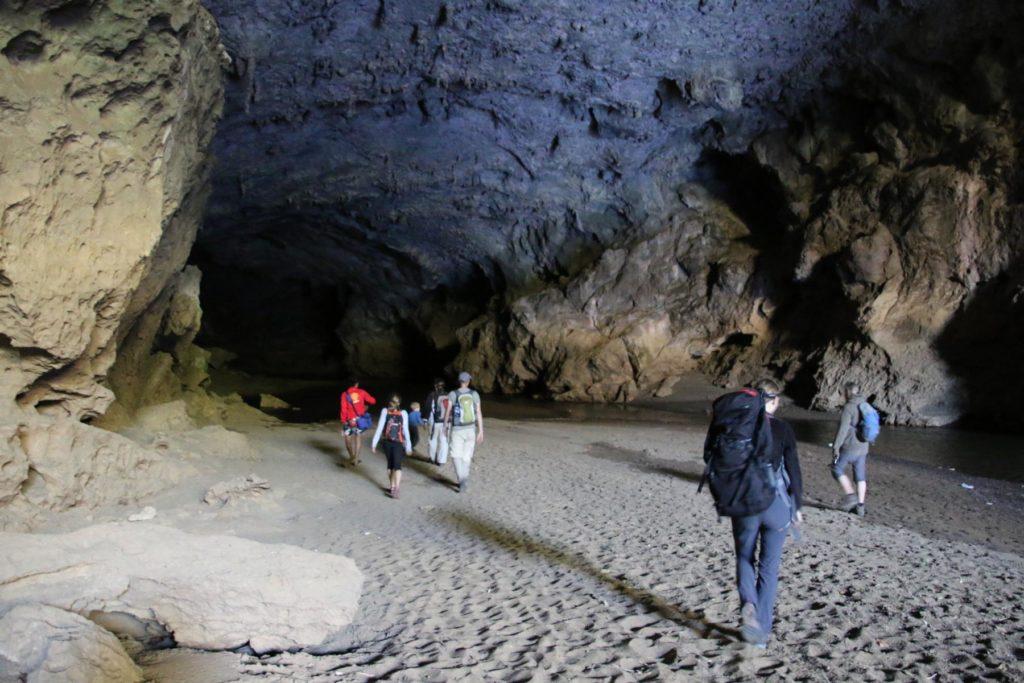 große Höhle